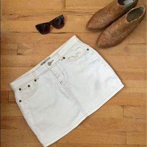 Old Navy Denim Mini-Skirt  EUC sz 2 off- white